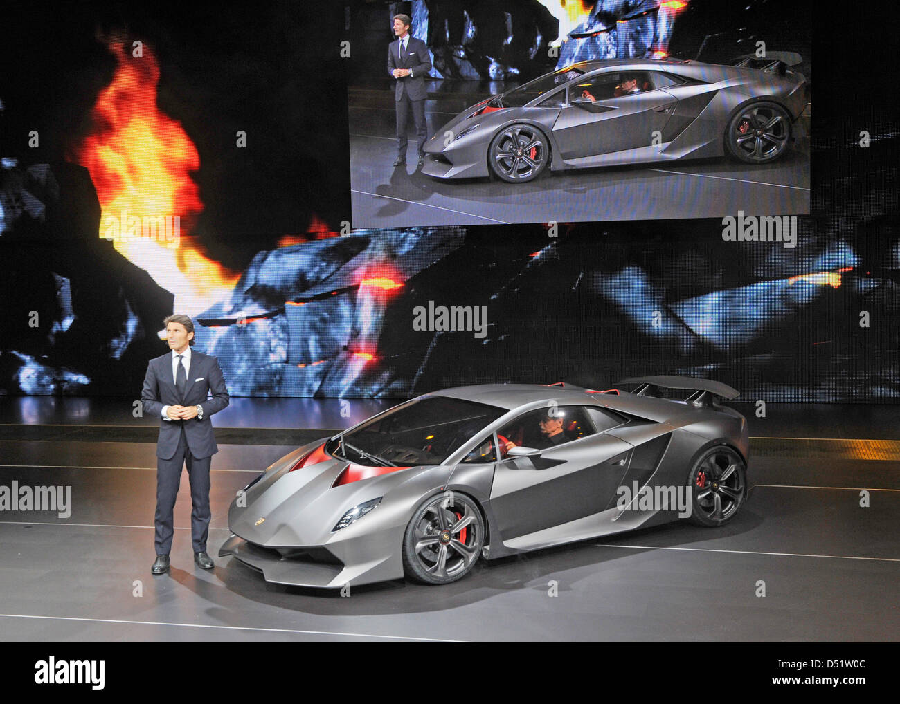 Stephan Winkelmann, Vorstandsvorsitzender von Lamborghini, stellt im Vorfeld des Pariser Autosalons 'Mondial Immagini Stock