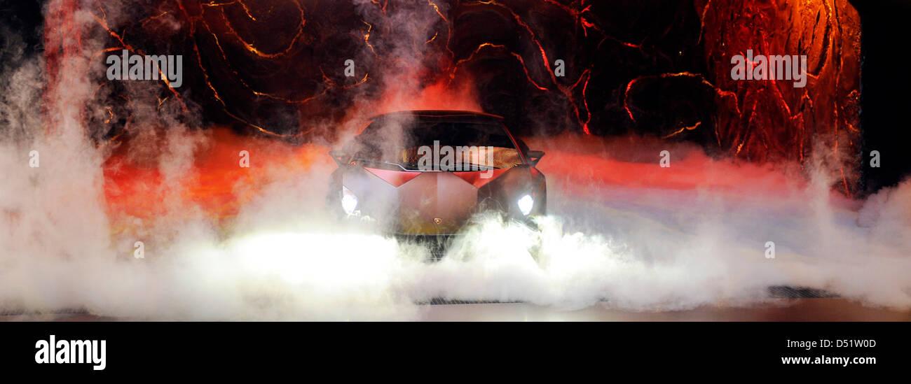 Im Vorfeld des Pariser Autosalons 'Mondial de l_ Automobile' wird am Mittwoch (29.09.2010) bei der Markenpräsenation Immagini Stock