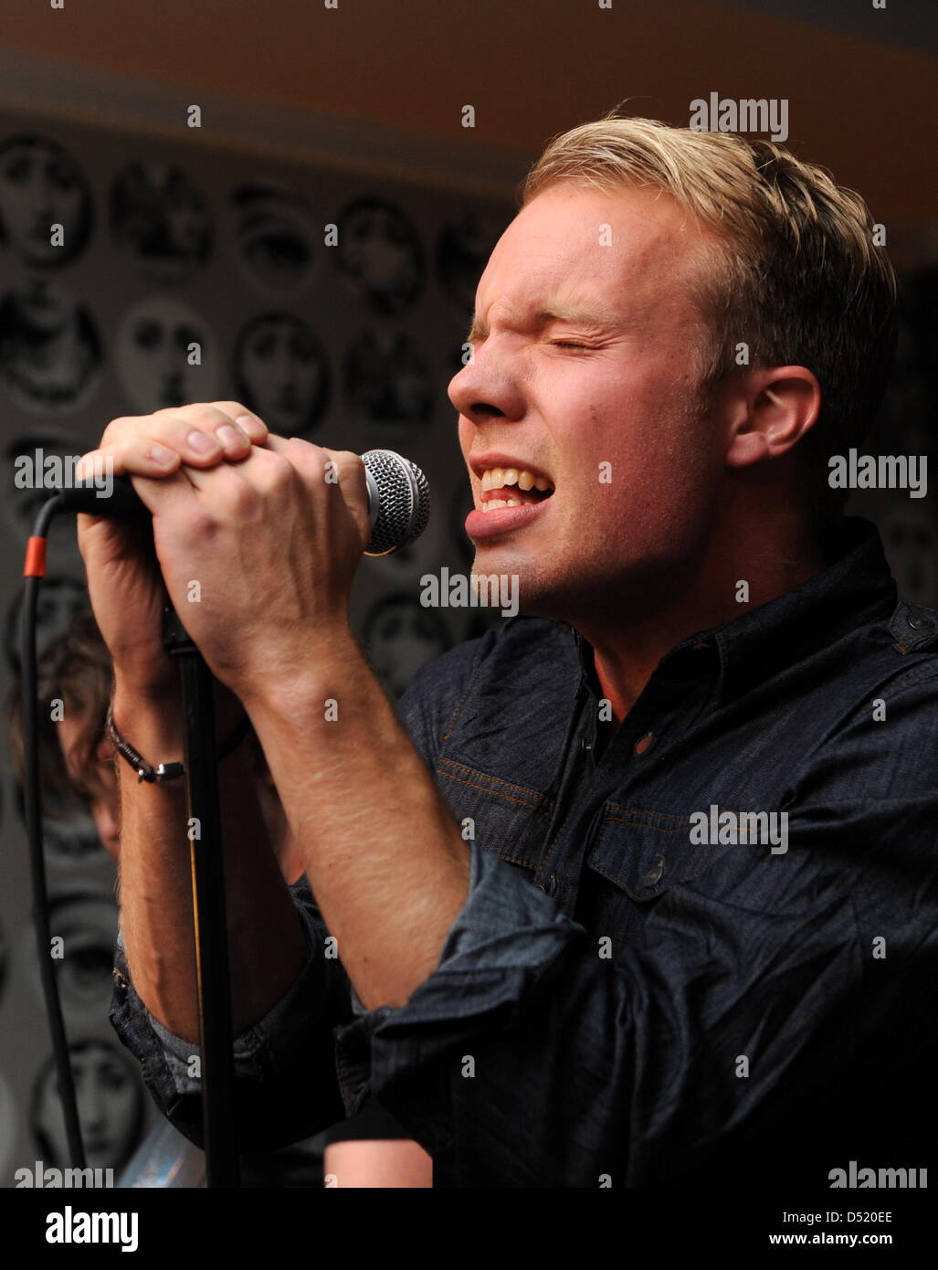 Der Sänger und Sohn eines Mitglieds der Band ABBA, Ludvig Andersson ...