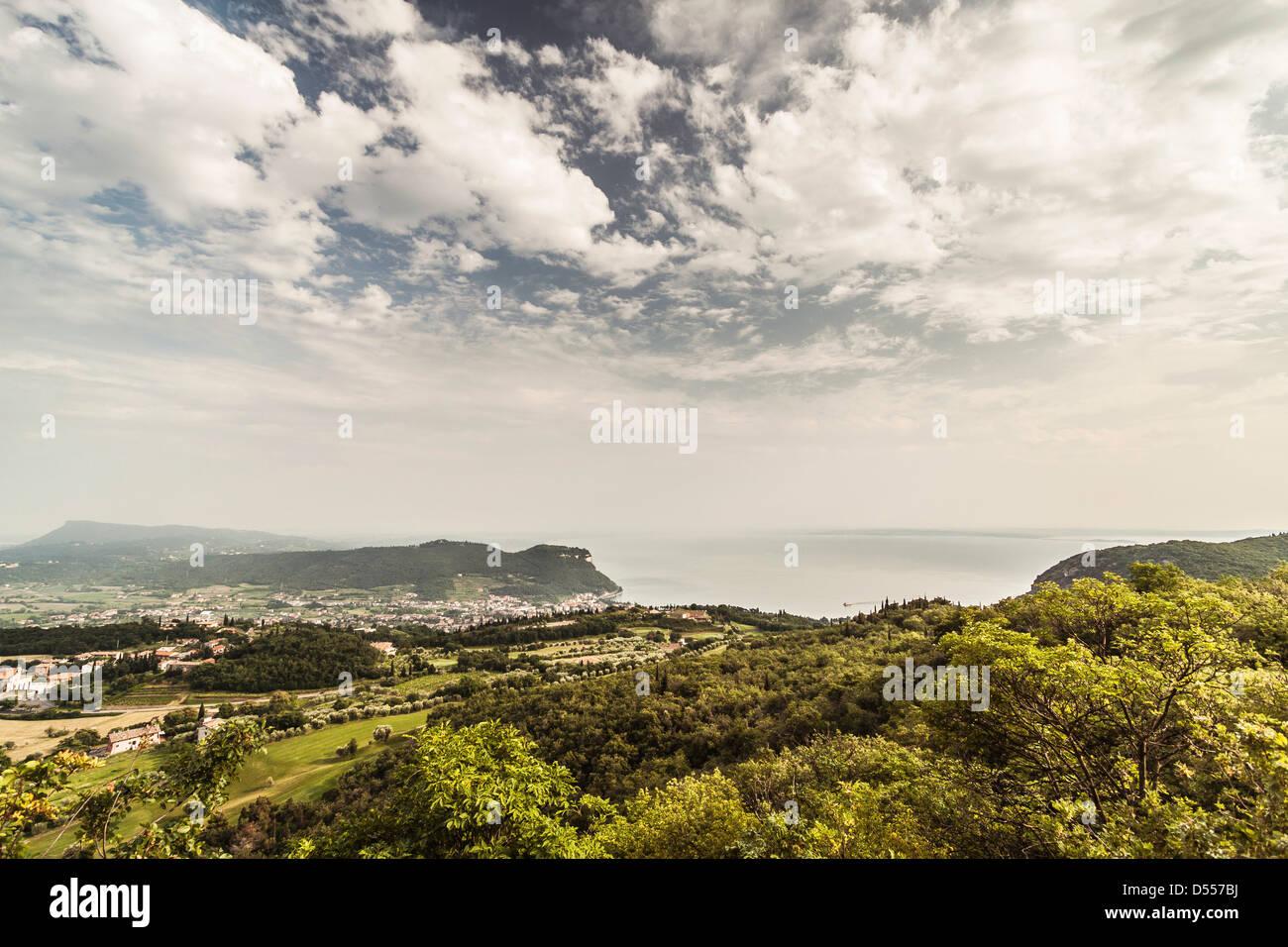 Nubi sul paesaggio rurale Immagini Stock