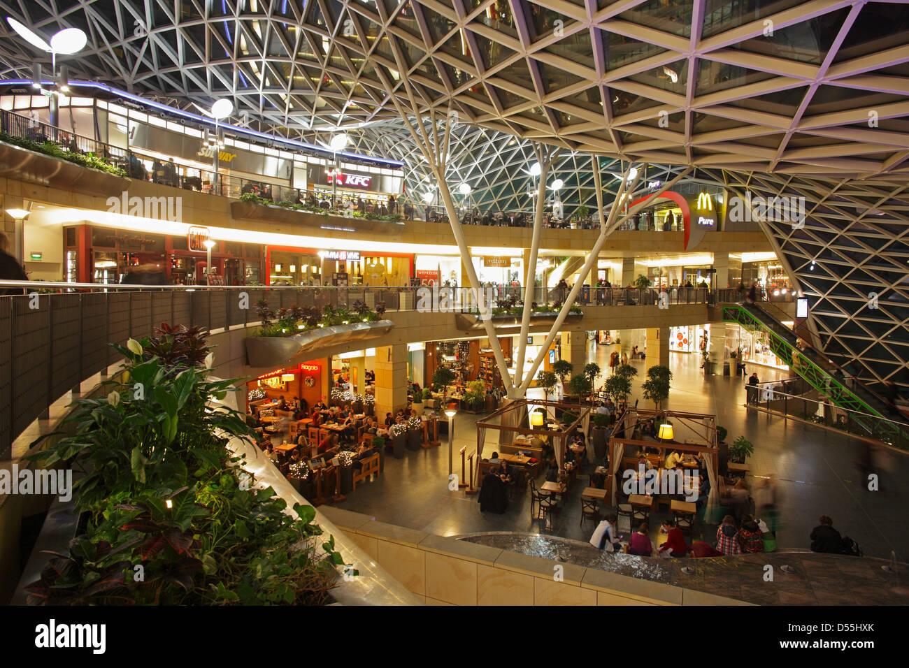 Varsavia, Polonia, il centro commerciale Golden terrazze (Zlote ...
