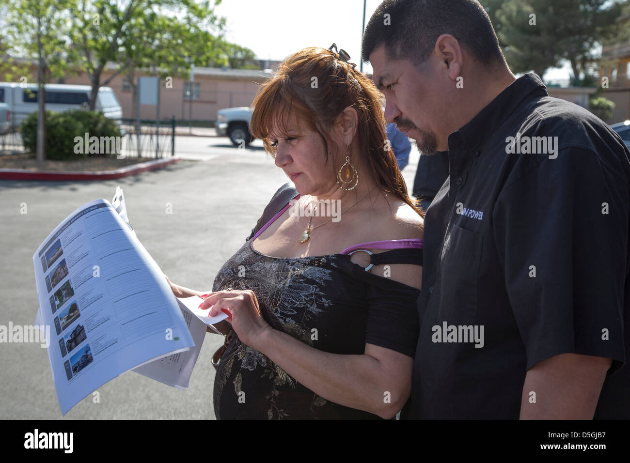 Las Vegas, Nevada - precluso case vengono svenduti al di fuori dell'ufficio del Nevada Notizie Legali. Immagini Stock