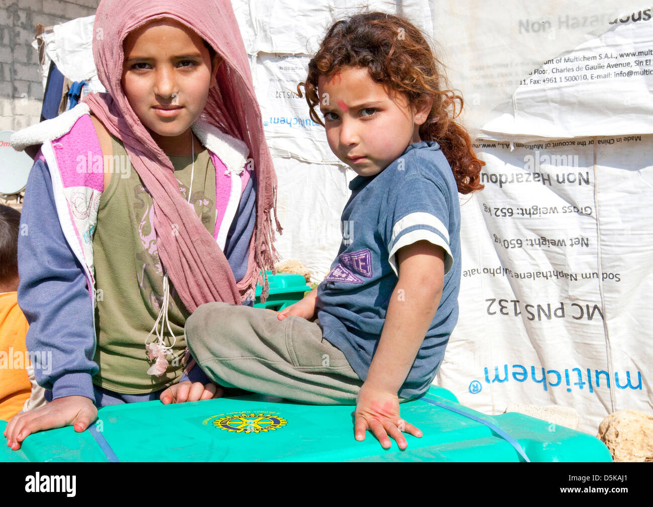 Giovane rifugiato siriano vicino a Halba, nel Nord del Libano Immagini Stock