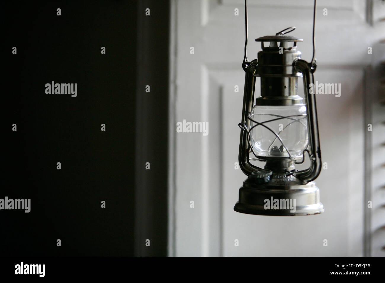 risalente lanterne cherosene costo medio per collegare alla fogna della città