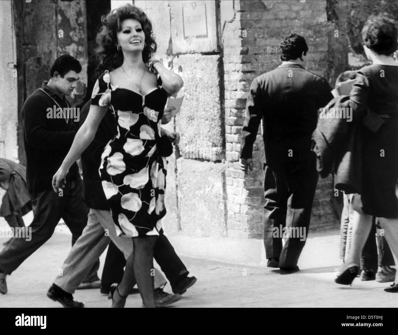 Matrimonio In Italiano : Sophia loren il matrimonio in stile italiano 1964 foto & immagine