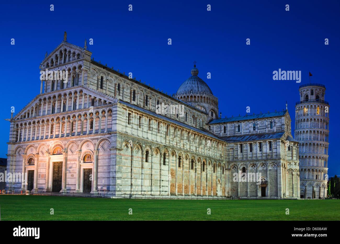 Cattedrale di Pisa e Torre Pendente, architettura romanica in Toscana Immagini Stock