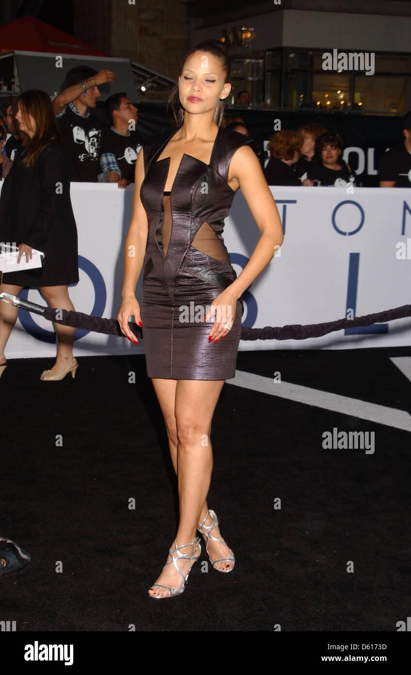 Los Angeles, California, USA. Il 10 aprile 2013. Denise Vasi assiste la premiere del ''oblio'' all'DolbyTheater Immagini Stock