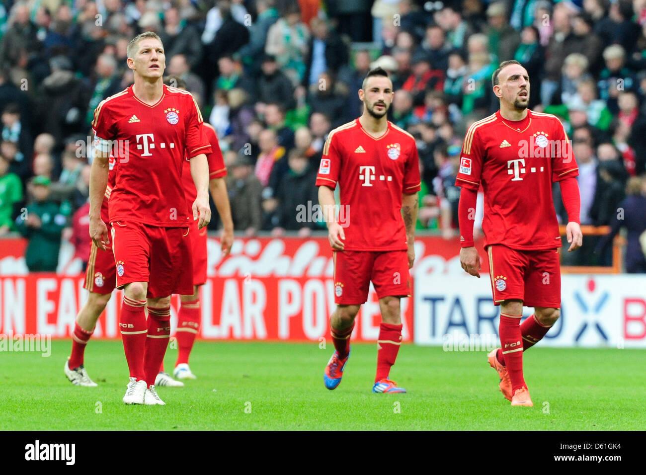 Monaco di Baviera Bastian SCHWEINSTEIGER (L-R), Diego contento e Franck Ribery dopo la Bundesliga tedesca match Immagini Stock