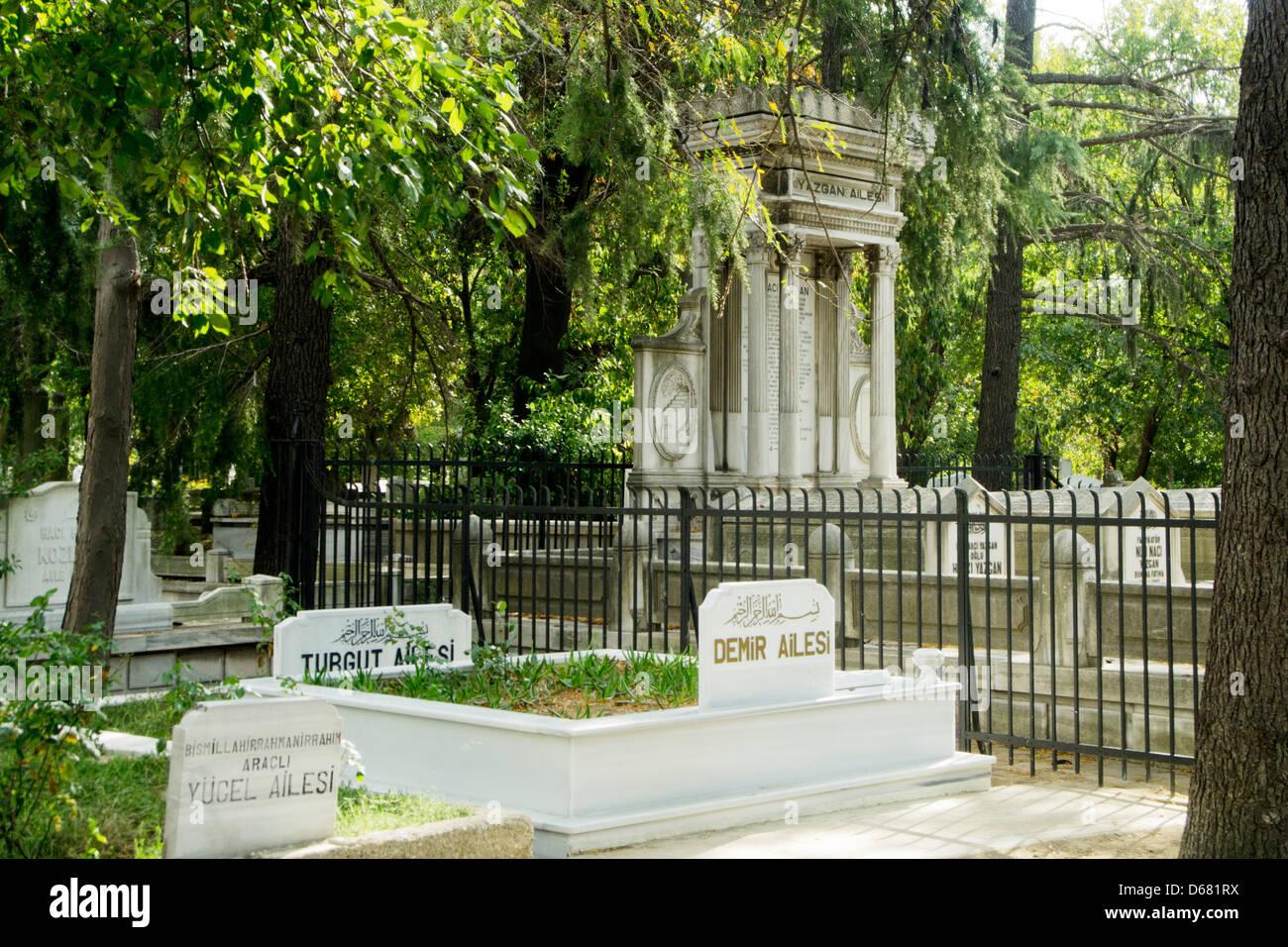 Türkei, Istanbul, Üsküdar, Karaca Ahmet-Friedhof, der grösste Friedhof Istanbuls. Foto Stock