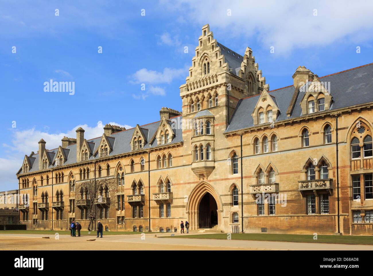 Prato Costruzione di circa 1863 con principale anteriore di ingresso al Christ Church College di Oxford, Oxfordshire, Immagini Stock