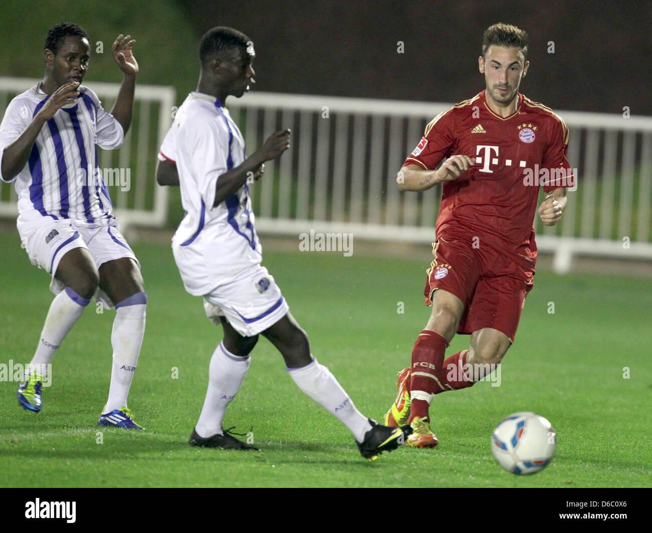 Il Bayern Monaco Diego è contento (R) in azione durante il test match tra Bundesliga club di calcio FC Bayern Immagini Stock