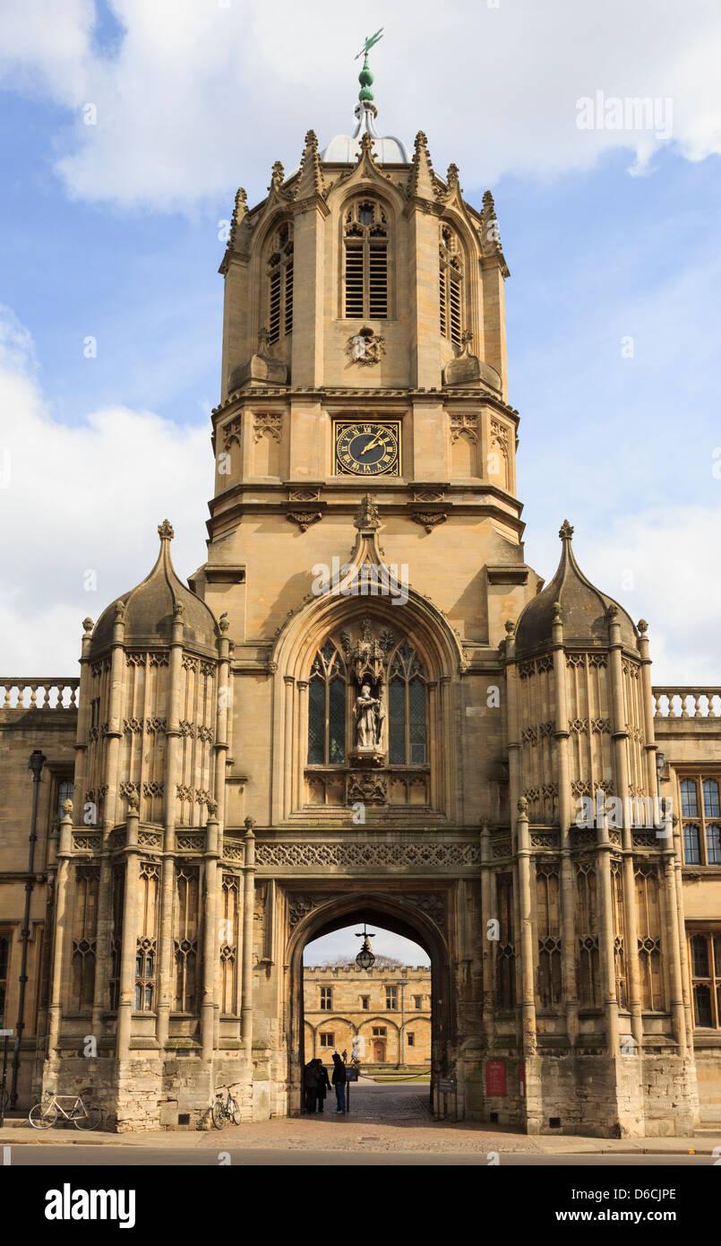 Tom Tower ingresso al Christ Church College del quadrangolo nell'Università di Oxford, Oxfordshire, Inghilterra, Foto Stock