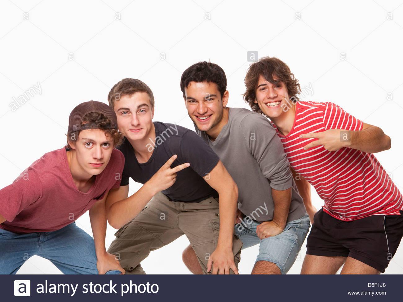 adolescenti che hanno sesso di gruppo