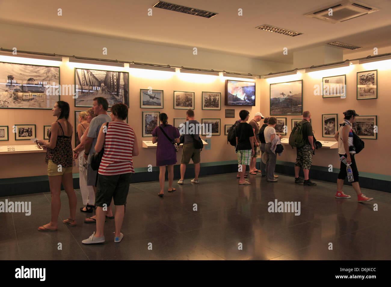 Requiem mostrano Residuati Bellici Museum, la città di Ho Chi Minh (Saigon), Vietnam, Indocina, Asia sud-orientale, Immagini Stock