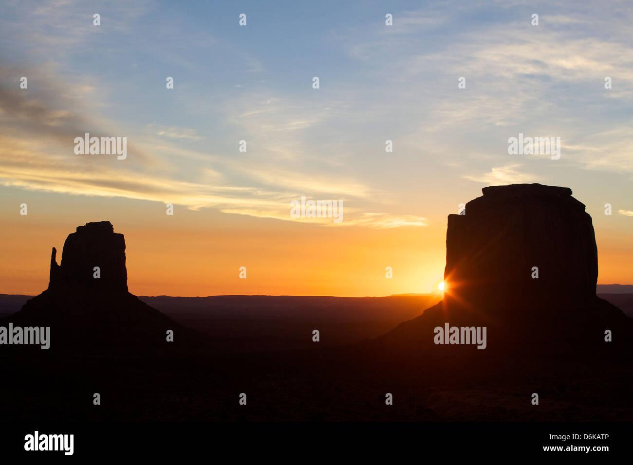 Il Monument Valley all'alba, Utah, Stati Uniti d'America, America del Nord Immagini Stock