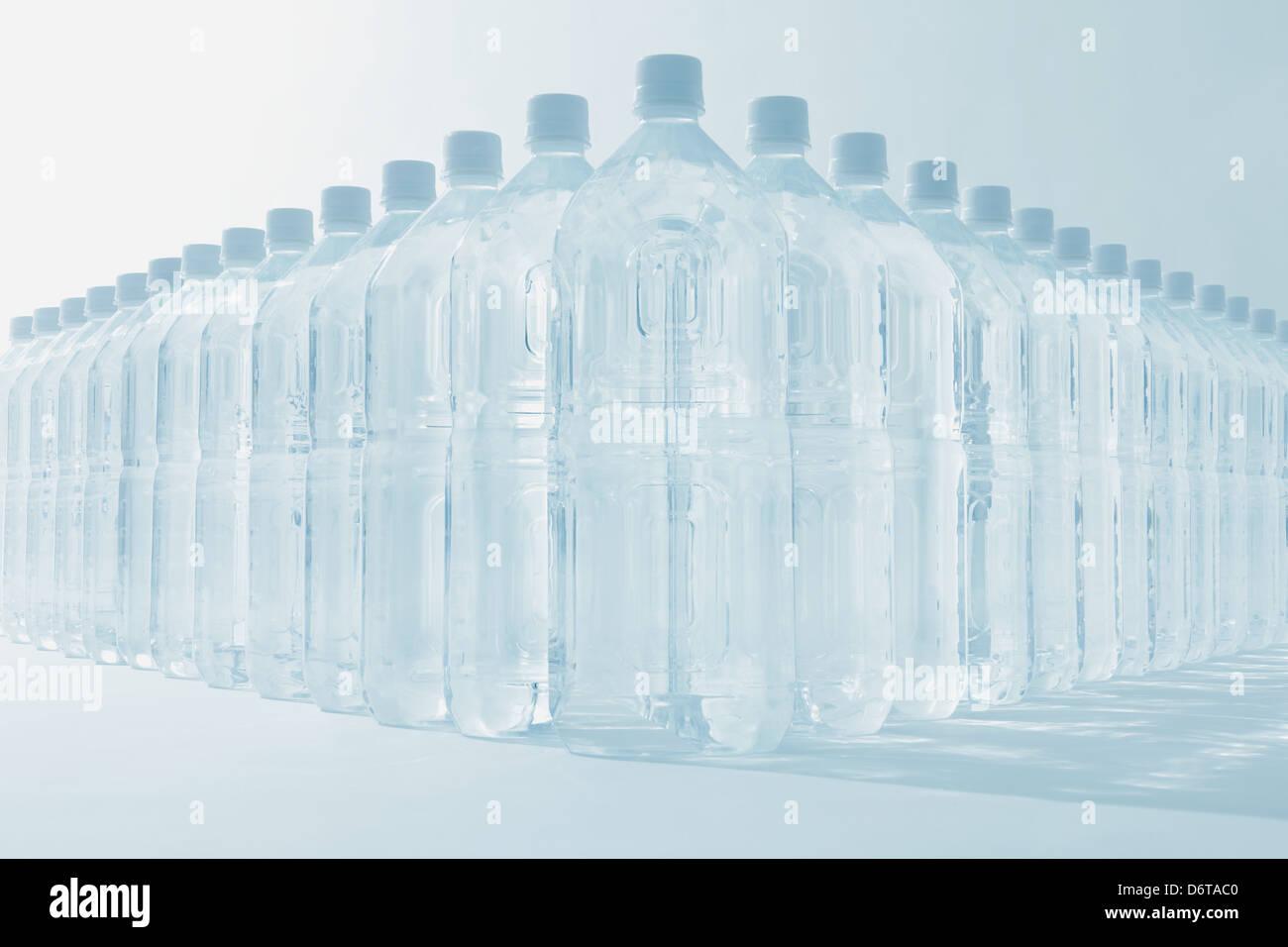 Acqua in bottiglia Immagini Stock