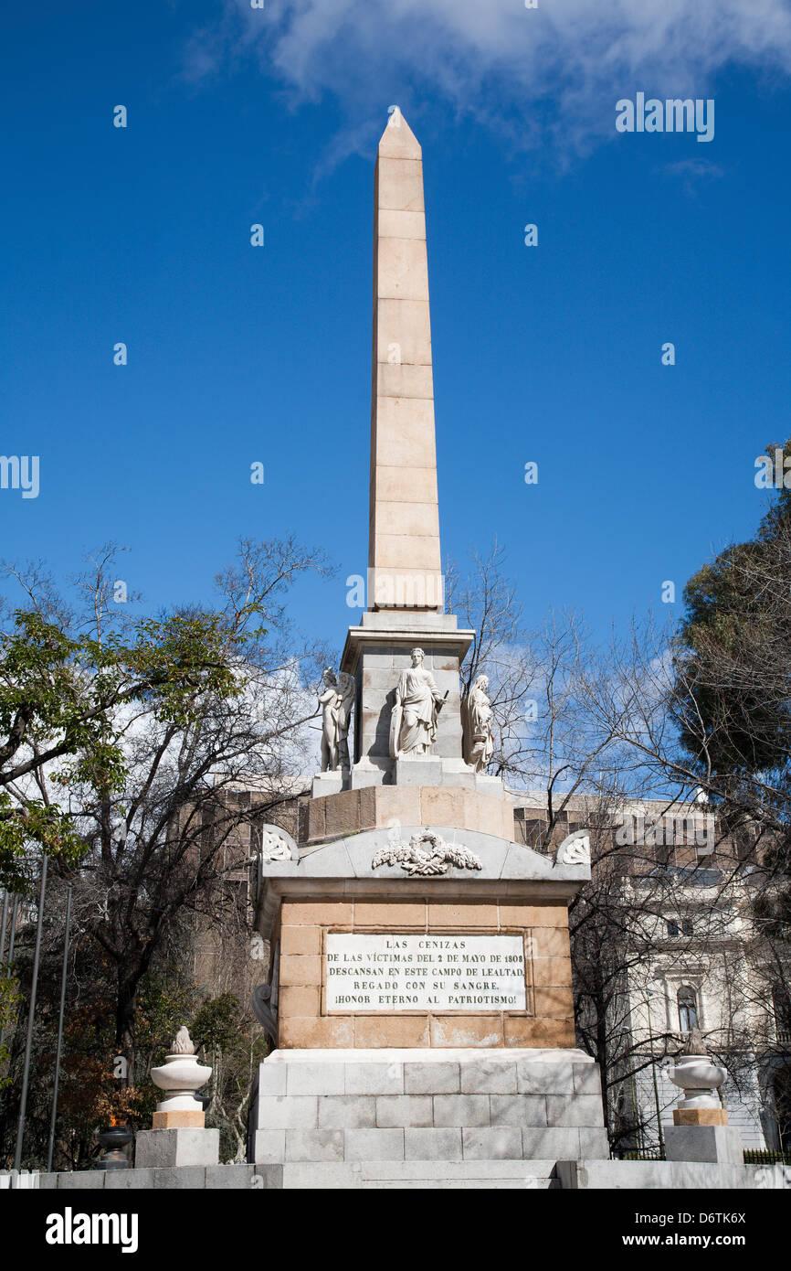Madrid - monumento Dos de Mayo da Plaza la Lealtad Immagini Stock