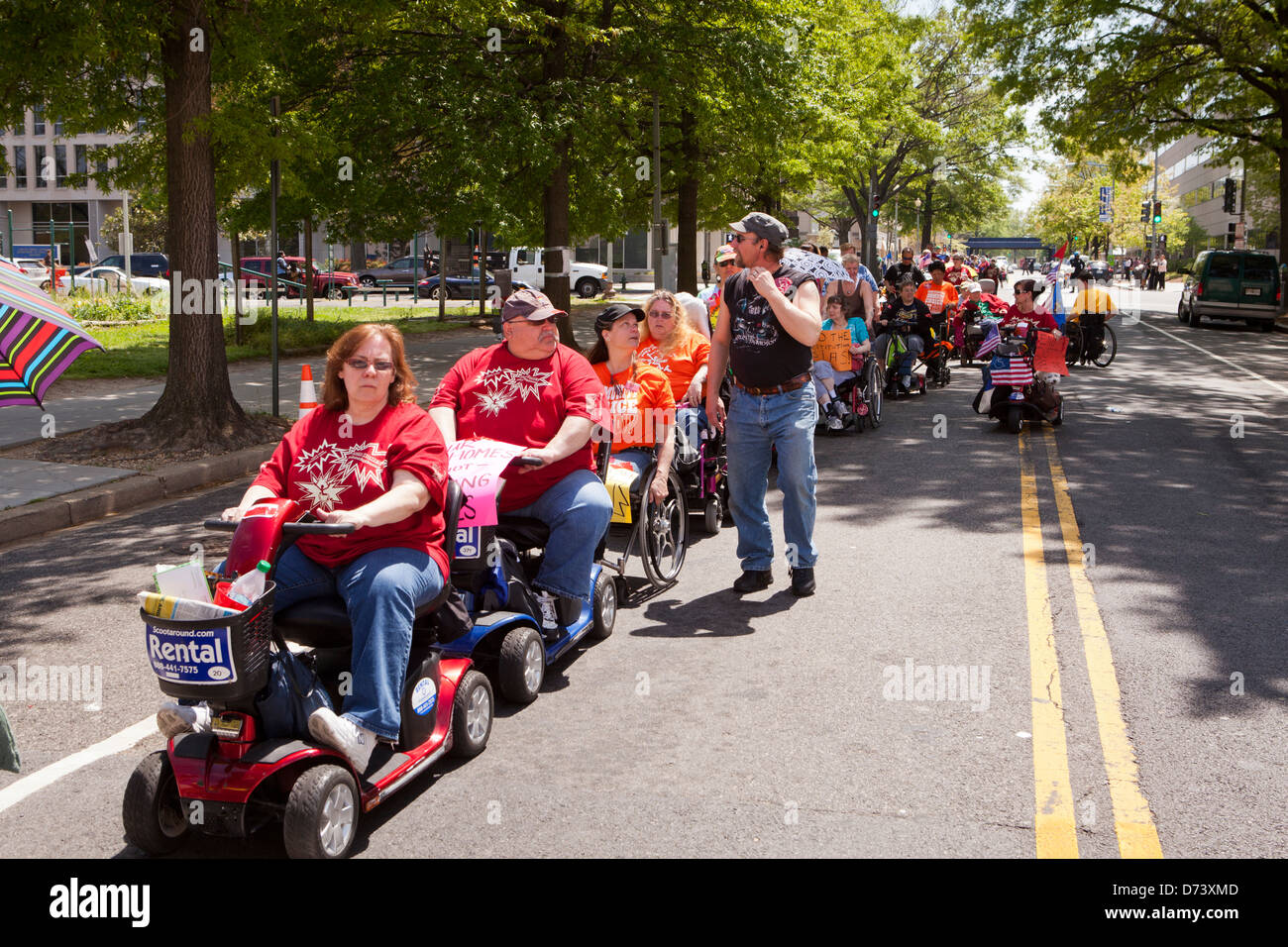 I diritti dei portatori di handicap gruppo, adattare, rally contro Medicaid in Washington DC Immagini Stock