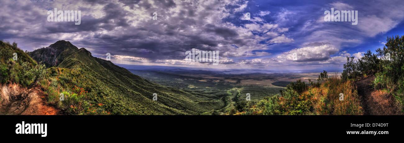 Longonot cratere Vista panoramica, Hdr panorami nella regione di Naivasha, Kenya Immagini Stock