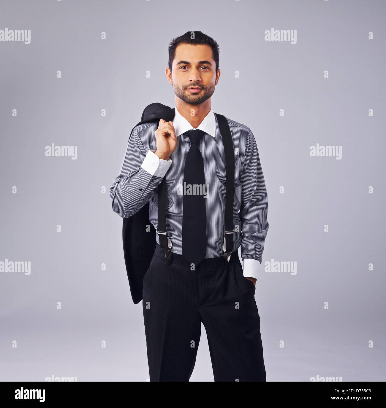 Ritratto di un giovane e bello executive isolato in copyspace Immagini Stock