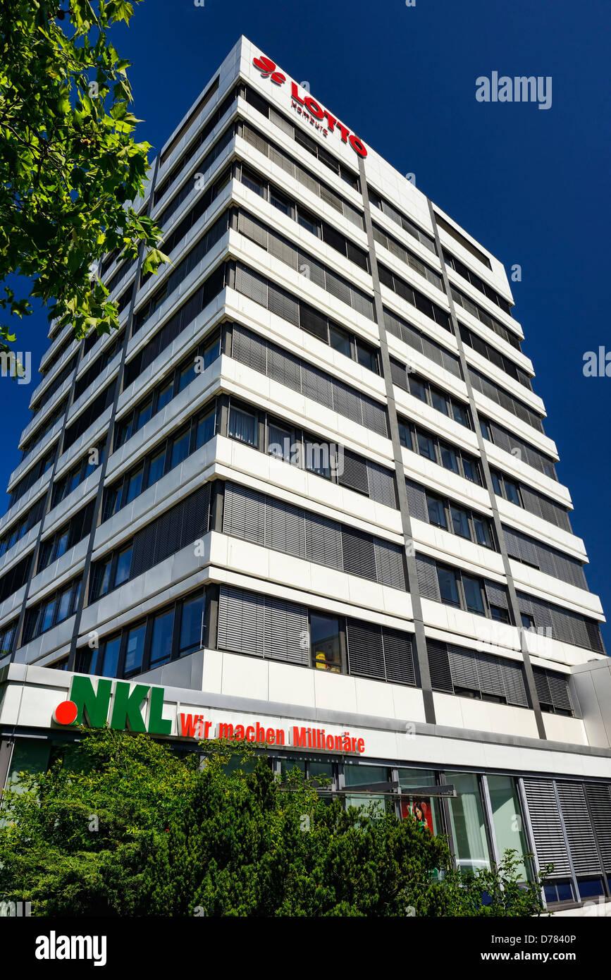 Edificio per uffici di lotto di Amburgo in città del nord, Winterhude, Amburgo, Germania, Europa Immagini Stock