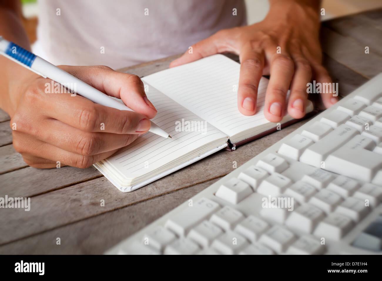 Write immagini write fotos stock alamy for Disegni del mazzo del secondo piano