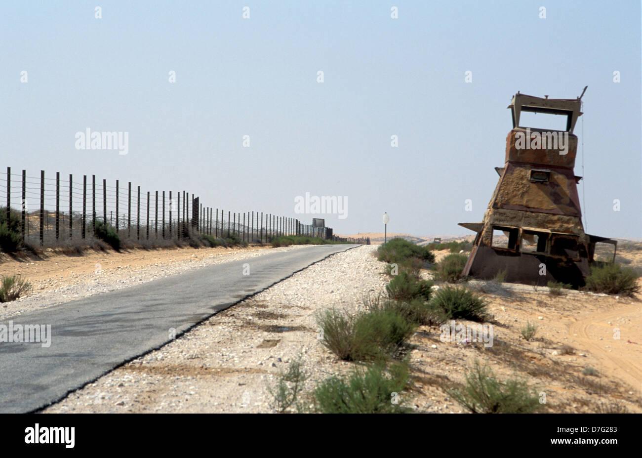 Numero della strada 10 lungo il confine con l'egitto vicino a Kadesh barnea Immagini Stock