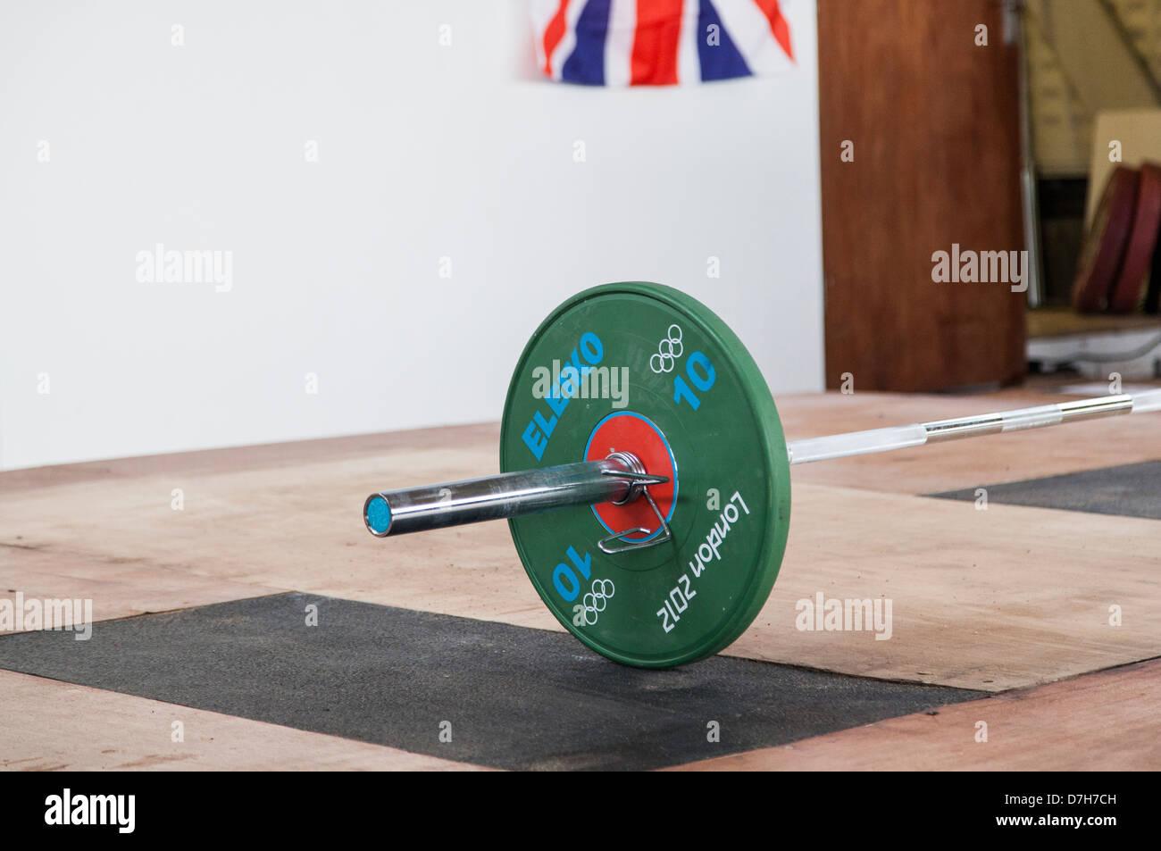 Il sollevamento pesi, Londra 2012 piastre bar olimpico GB Bandiera British sollevamento pesi Immagini Stock