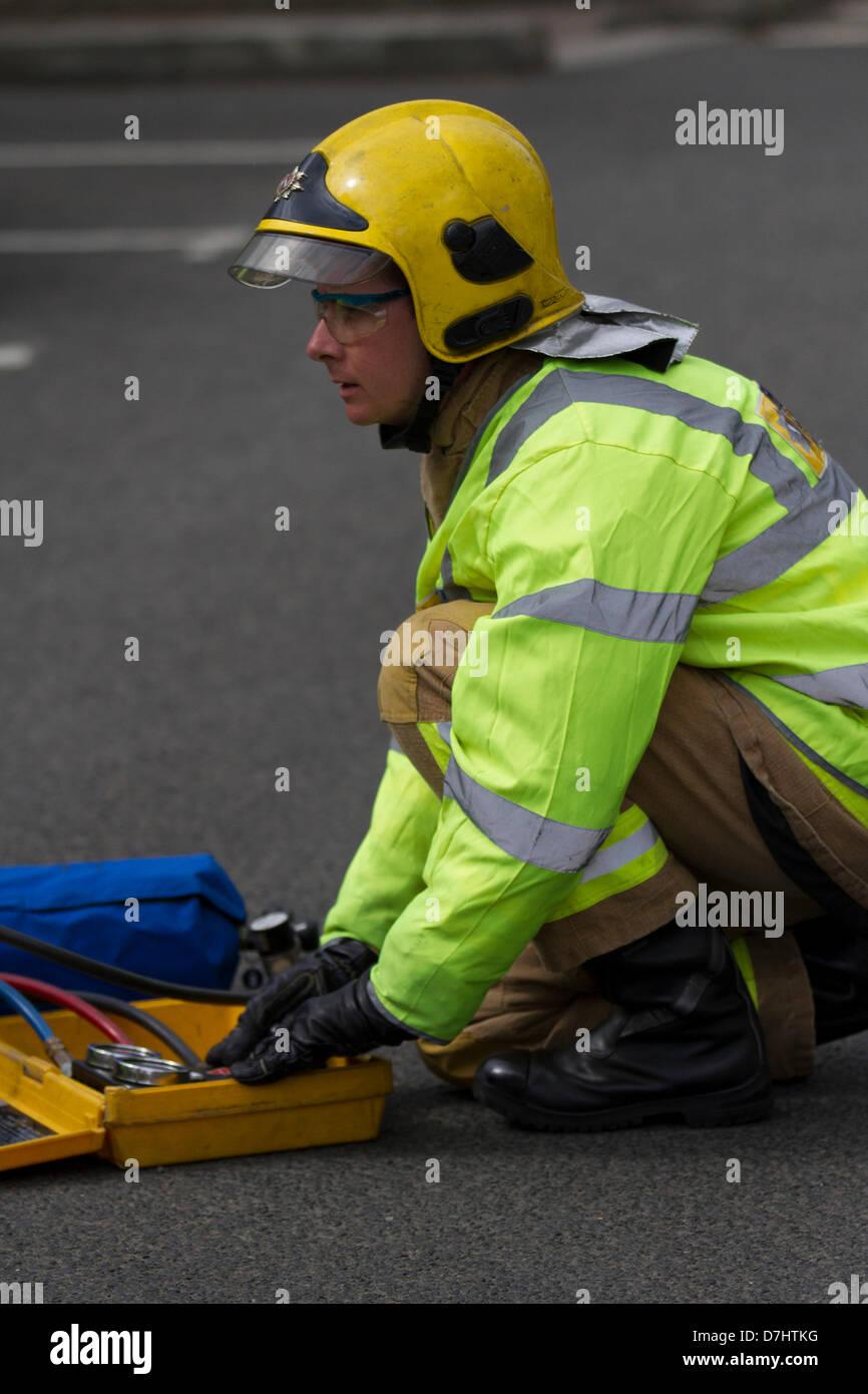Formby, MERSEYSIDE REGNO UNITO 8 Maggio, 2013. Una dimostrazione di soccorso durante il National Road Safety settimana Immagini Stock