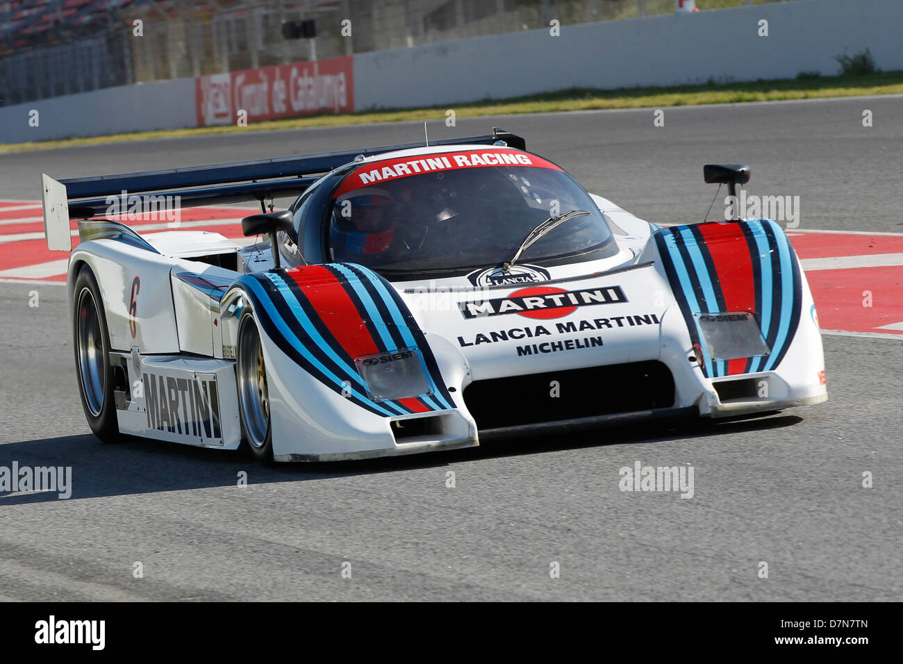 https://c8.alamy.com/compit/d7n7tn/gruppo-c-gara-a-barcellona-catalonia-revival-classico-montmelo-circuit-aprile-2013-rupert-clevely-in-lancia-lc2-d7n7tn.jpg