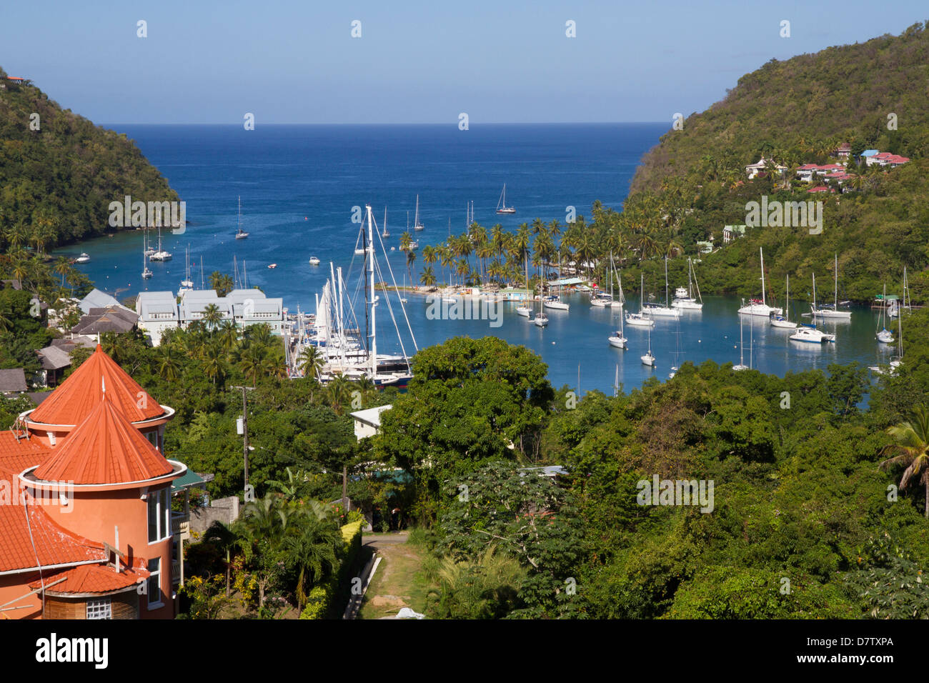 Marigot Bay e yacht, Santa Lucia, isole Windward, West Indies, dei Caraibi Foto Stock