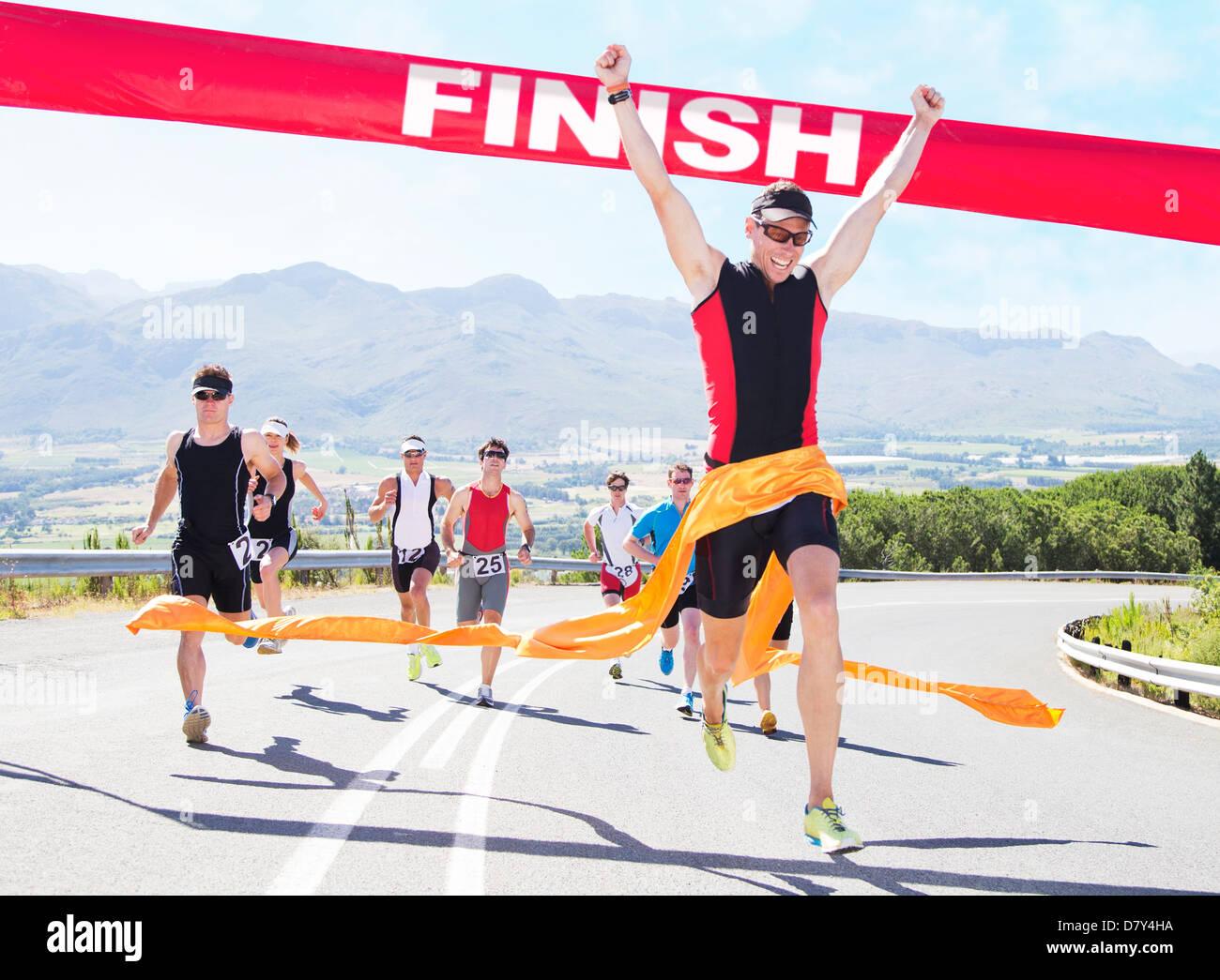 Runner gara di attraversamento della linea di finitura Immagini Stock