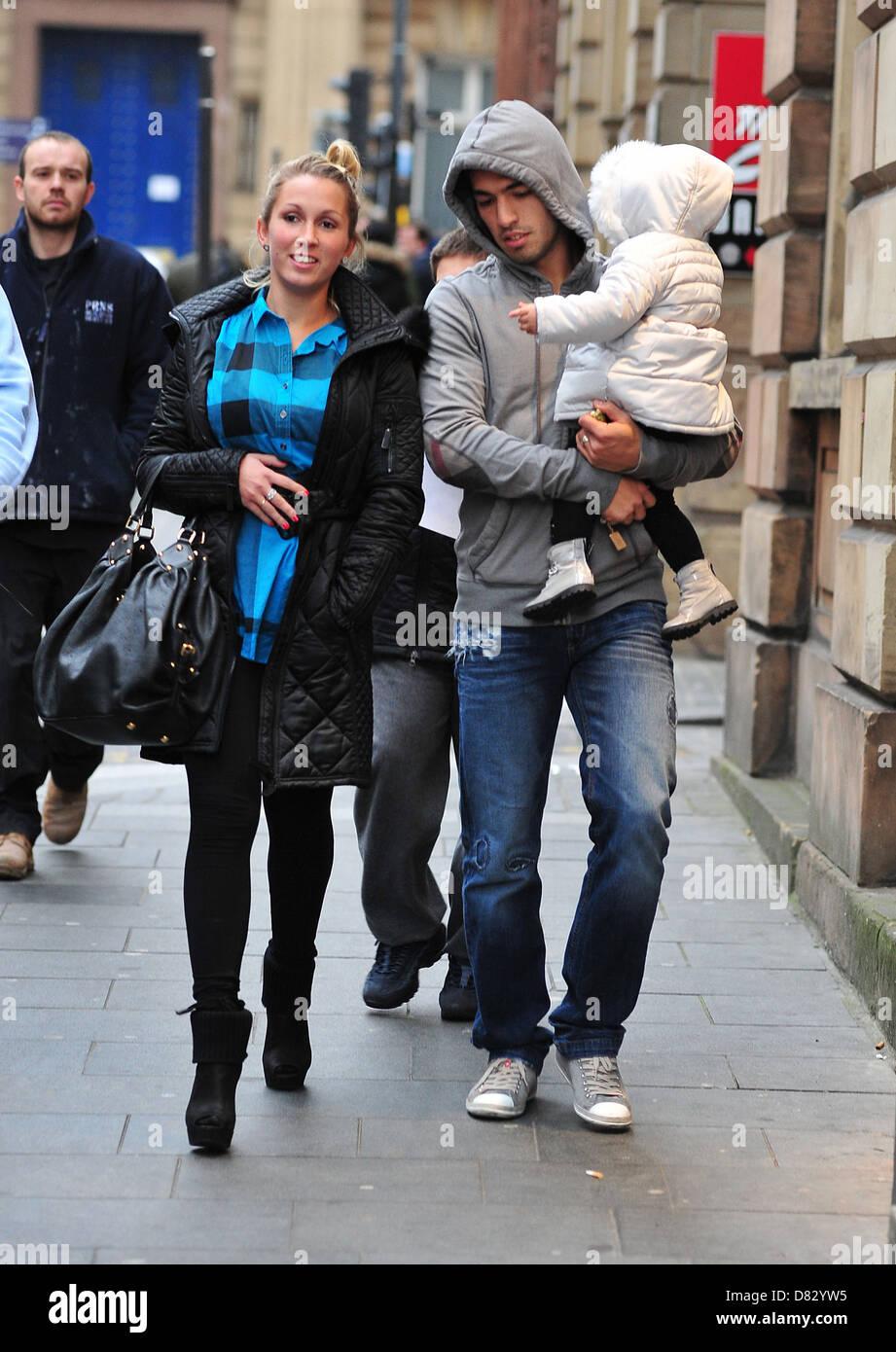 Luis Suarez con la moglie Sofia e figlia Delfina hanno goduto di ...