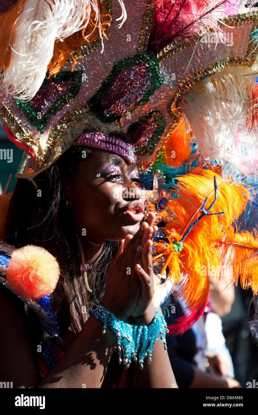 Berlino, Germania. Il 19 maggio 2013. Karneval der Kulturen - Carnevale annuale e street party in Germania la capitale Immagini Stock