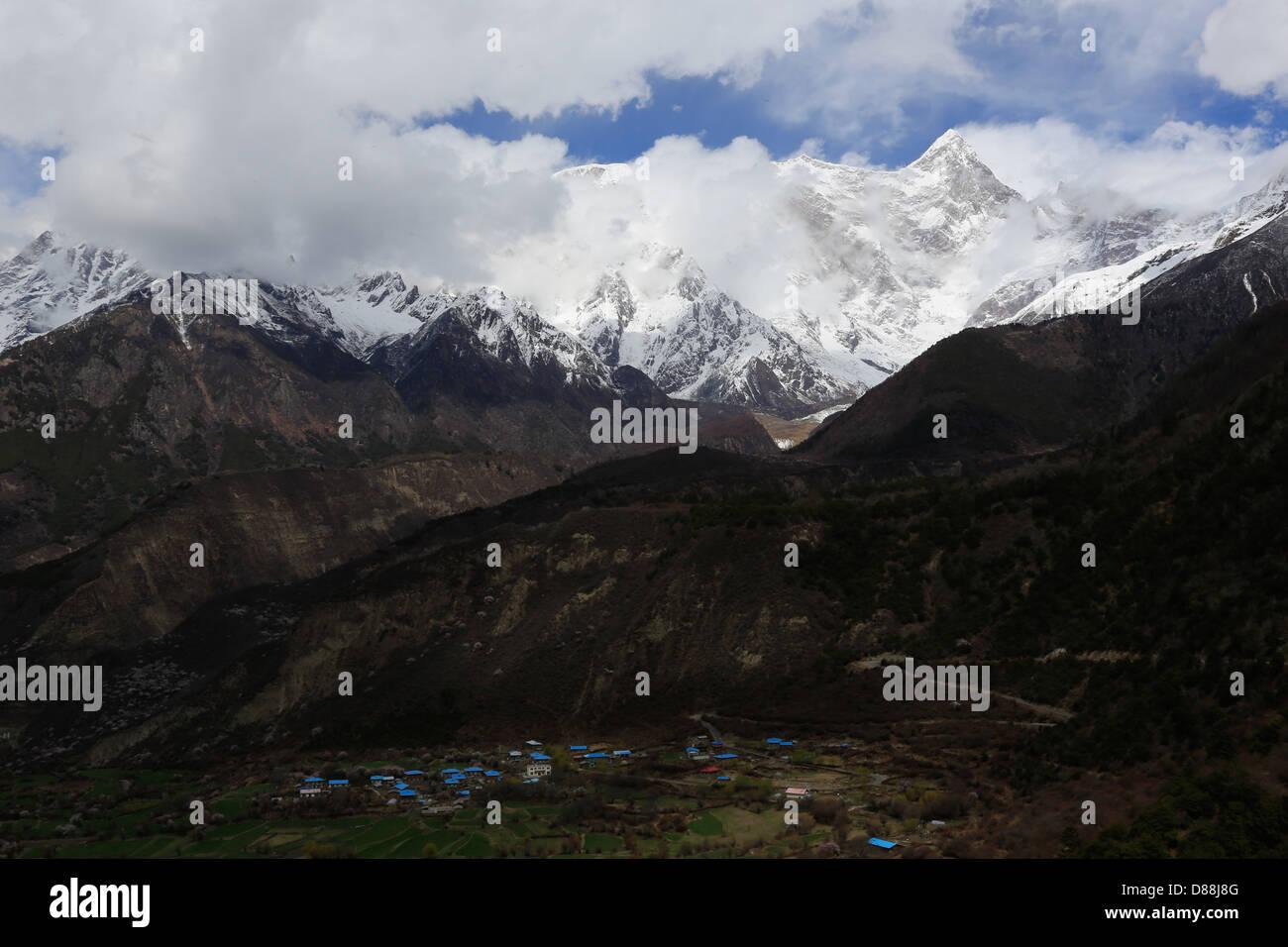 Montare Namjagbarwa, il picco più alto nella parte orientale del Tibet, Cina Immagini Stock