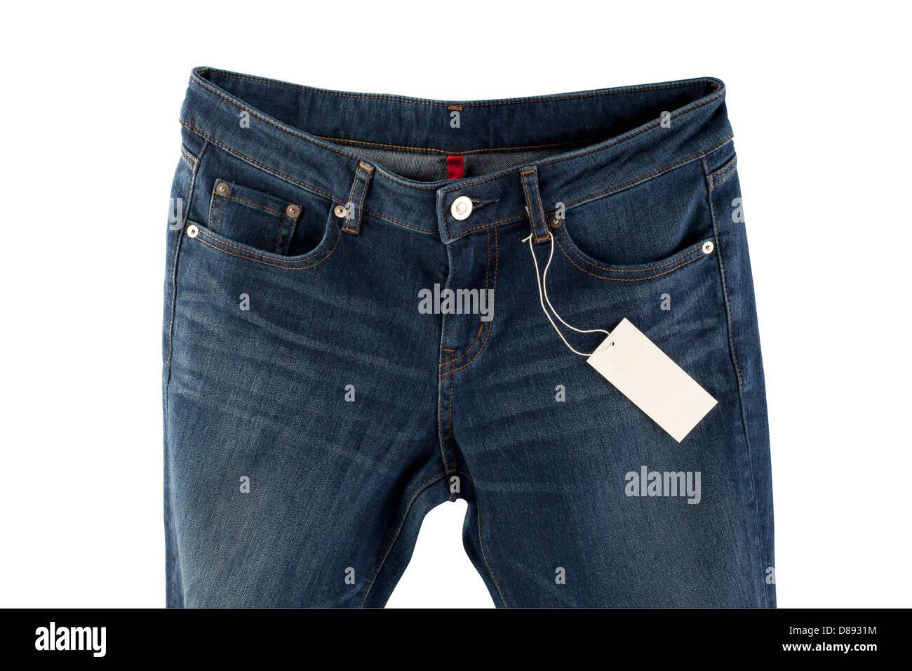 Jeans blu con tag isolati su sfondo bianco Foto & Immagine