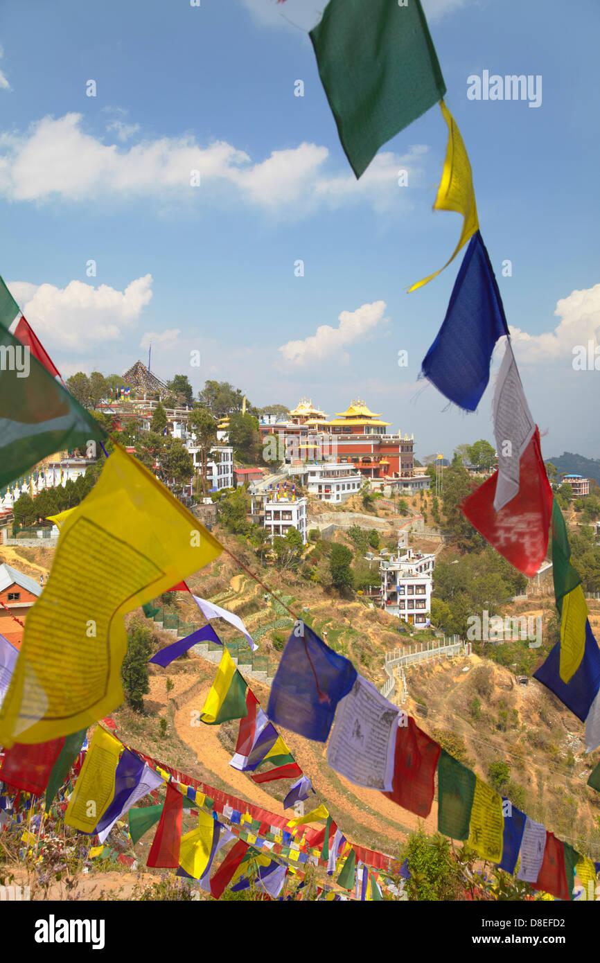 Thrangu Tashi Yangtse monastero all'interno complesso Namobuddha, Dhulikhel, Valle di Kathmandu, Nepal Immagini Stock