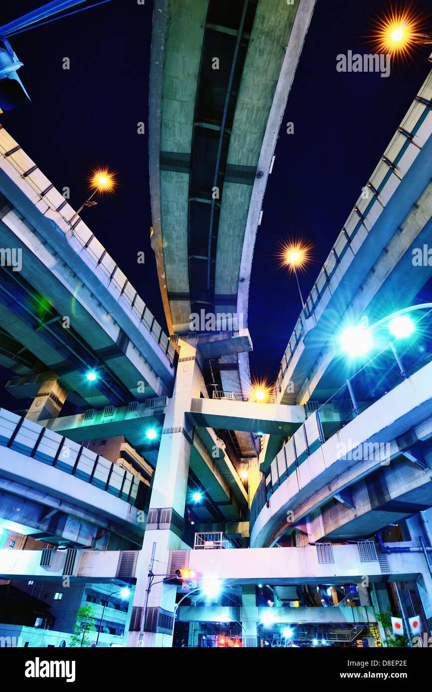 Giunzione di diverse autostrade a Tokyo in Giappone. Foto Stock