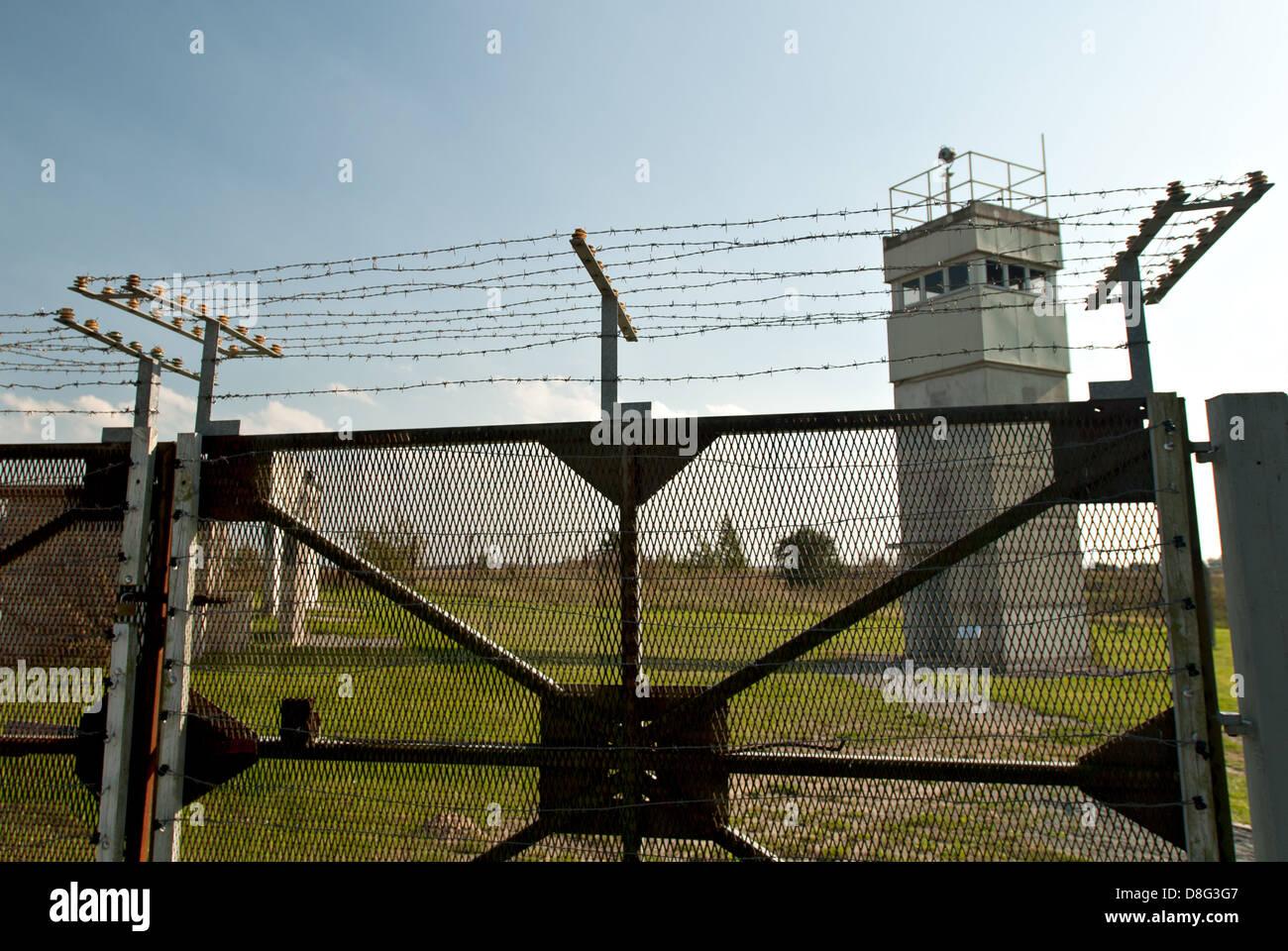 Resti di la frontiera interna tedesca ( Die Grenze ) in Schlagsdorf , in Germania. Immagini Stock