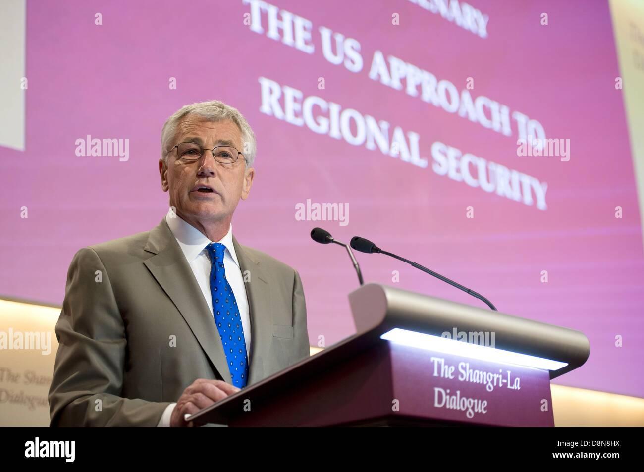 Il Segretario alla difesa degli Stati Uniti Chuck Hagel parla alla sessione plenaria di apertura al dialogo Shangri Immagini Stock