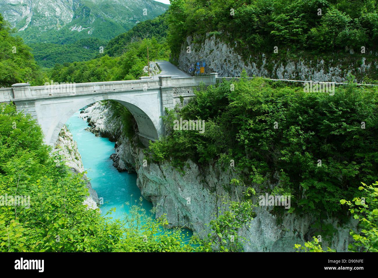 Il ponte napoleonico sul fiume soka in kobarid foto immagine stock 57179906 alamy - Il giardino sul fiume ...