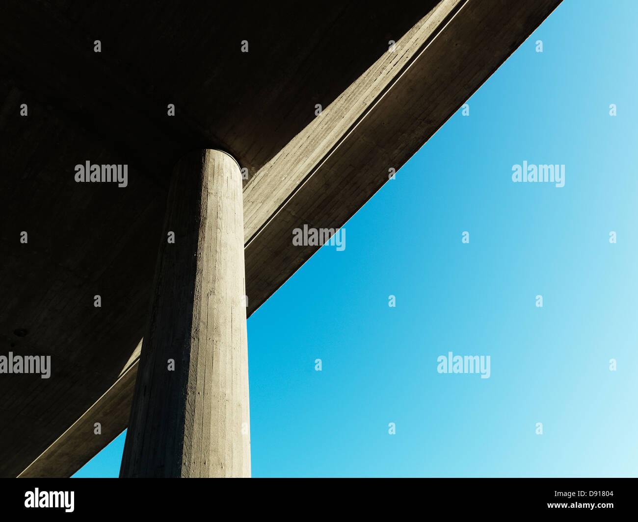 Un bridge visto dal di sotto, Svezia. Immagini Stock