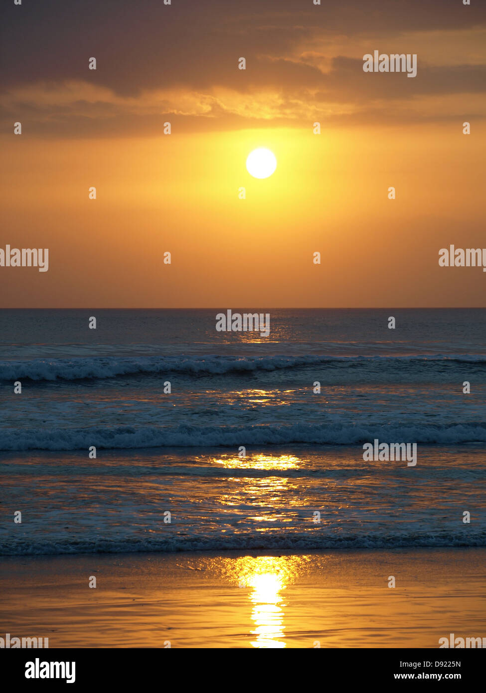 Tramonto in Indonesia Bali Kuta beach Foto Stock