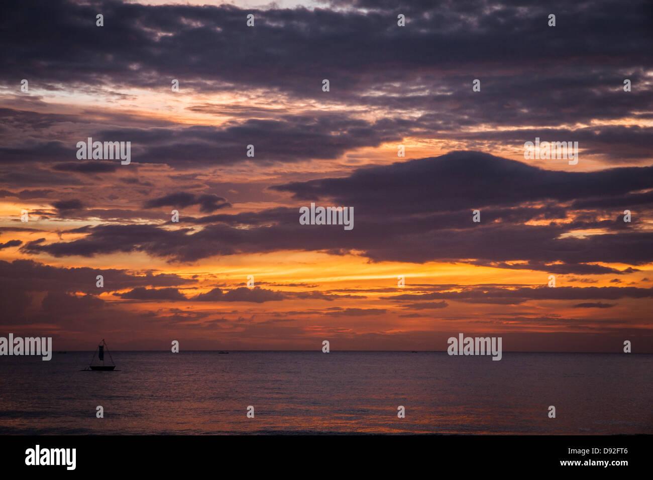 Sugar Beach tramonto su una zattera di immersioni Immagini Stock