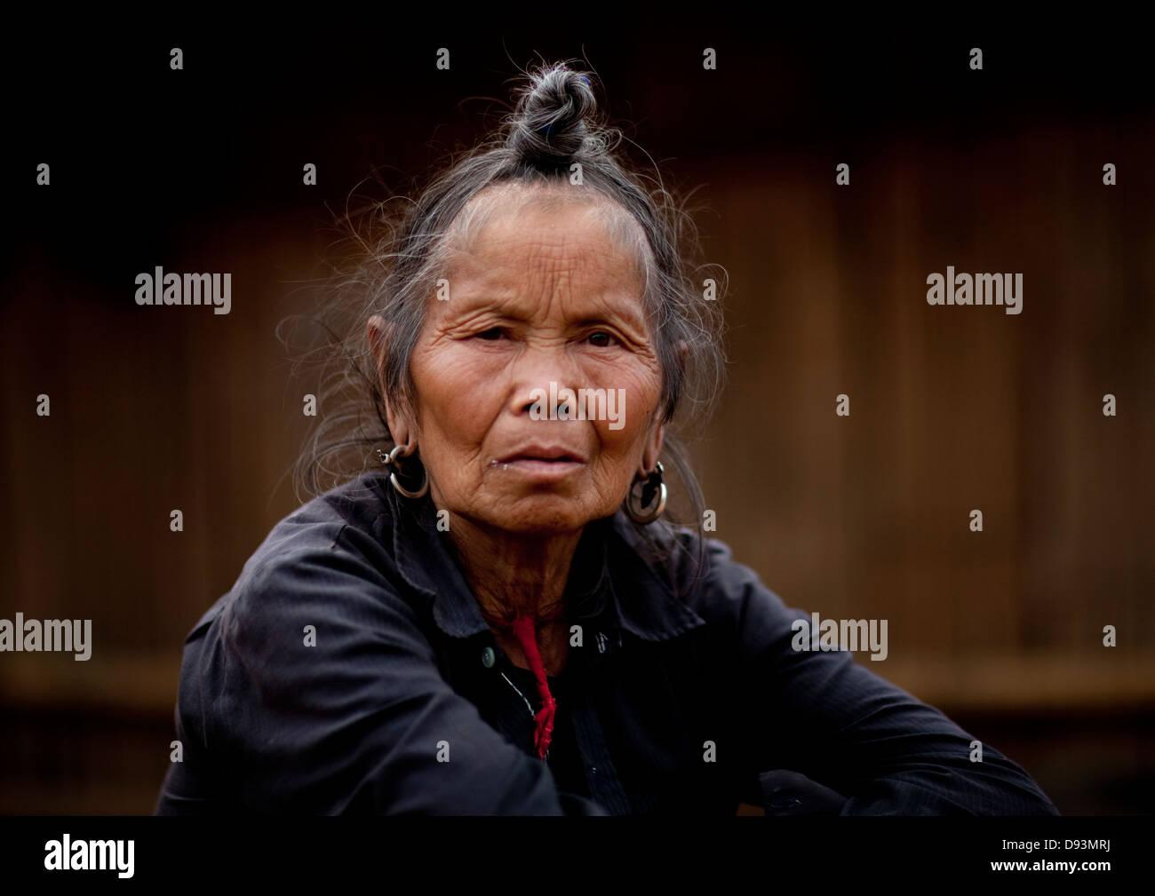 La minoranza Hmong vecchia donna, Muang cantare, Laos Immagini Stock