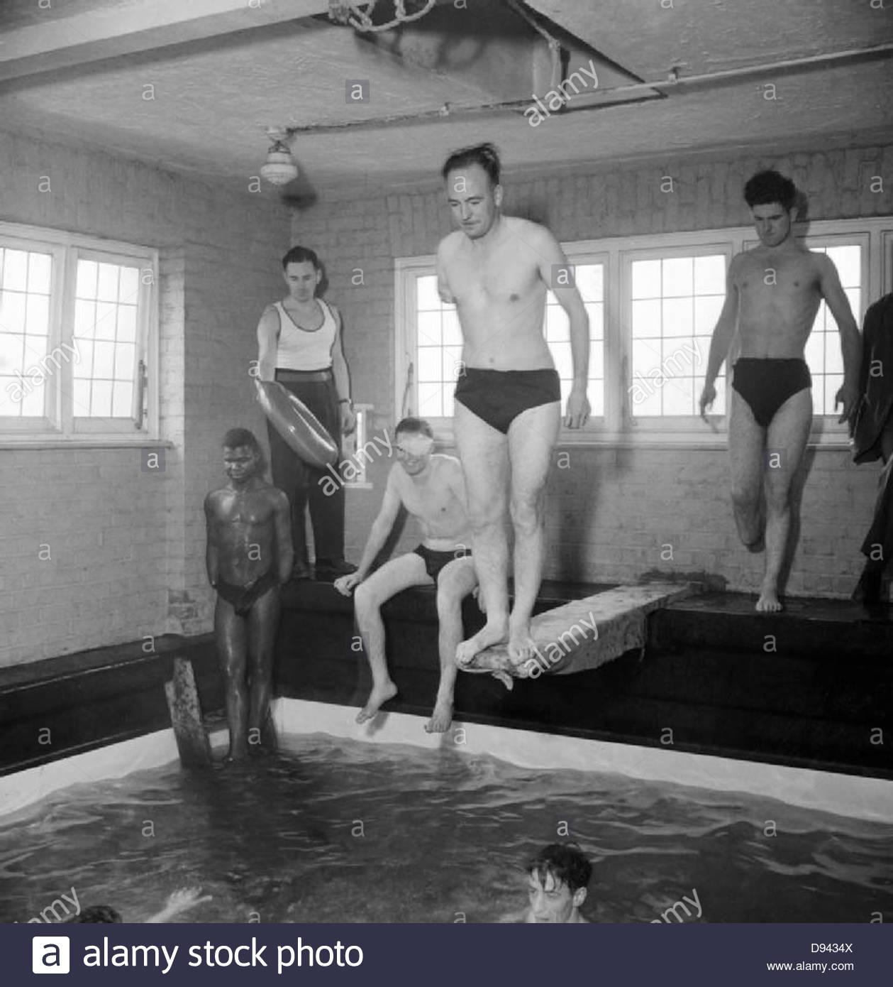 La riabilitazione - il lavoro di Queen Mary's Hospital, Roehampton, Londra, Inghilterra, Regno Unito, 1944 D18149 Immagini Stock