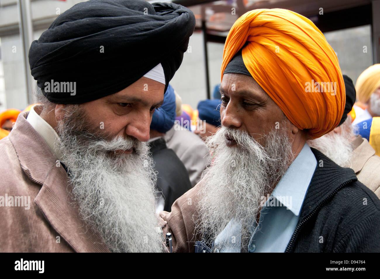Circa 15.000 Kalistan sikh a Londra per ricordare il massacro del 1984 quando migliaia di persone sono state uccise Immagini Stock