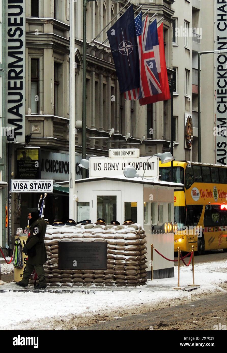 Il Checkpoint Charlie. Il Checkpoint Charlie era il nome dato dagli Alleati occidentali per i più noti del Immagini Stock