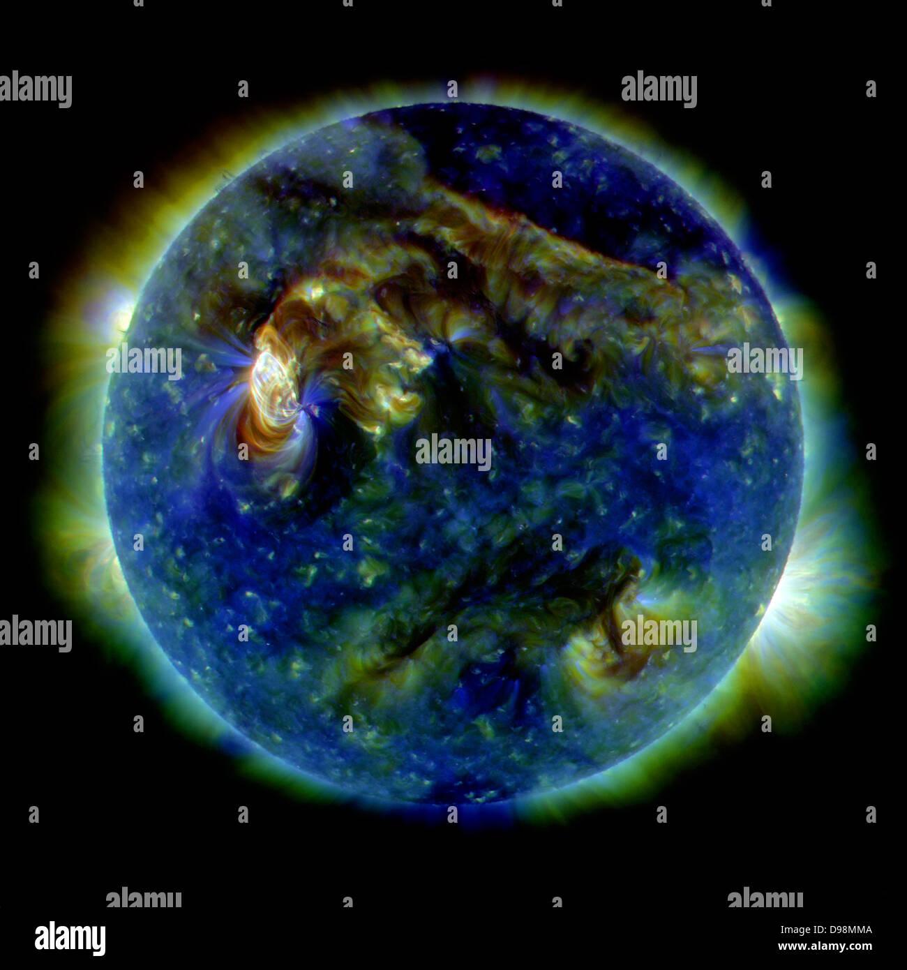 Il 1 agosto 2010, quasi tutta la terra-rivolto verso il lato del sole è scoppiata in un tumulto di attività. Immagini Stock