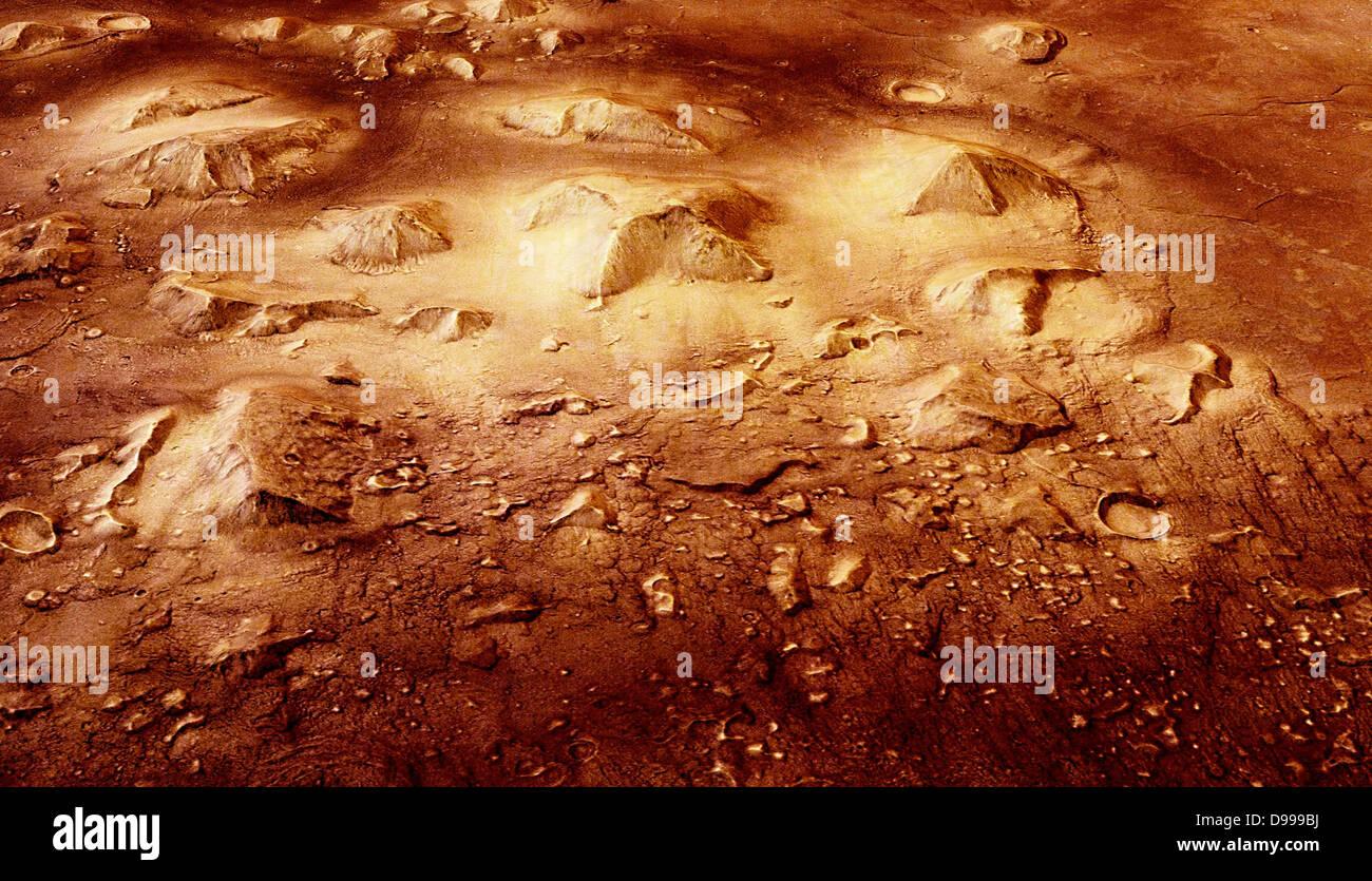 La pietra insolita mesas della regione di Cydonia su Marte sono molto suggestivi in apparenza. Questo mesa, quando Immagini Stock